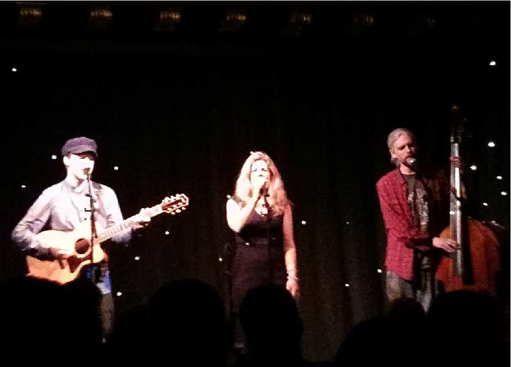 Dar Williams with Malojian at the Voodoo Rooms